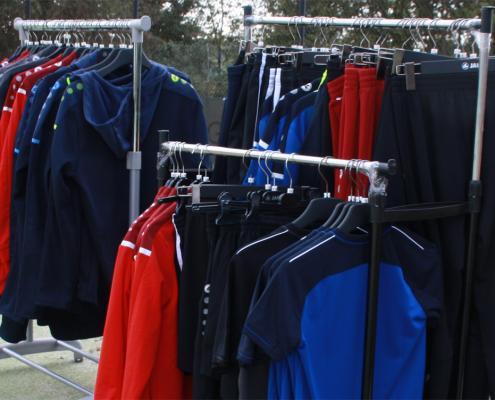 Neue Sportfits der Tennisabteilung sind da!